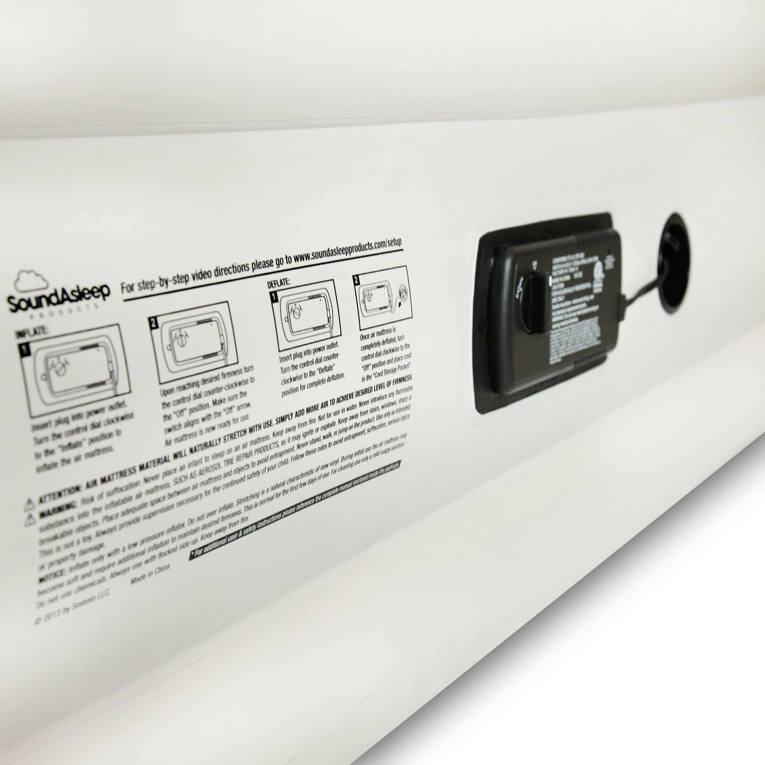 Built-in pump for air bed