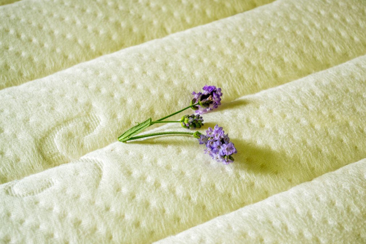 A tufted aloe vera mattress